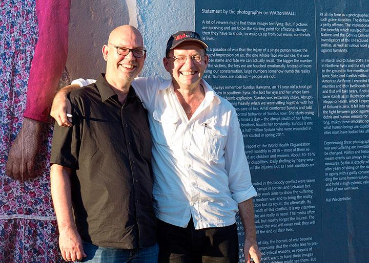 WaronWall - Eröffnung in Berlin mit Jens Hinrichs und Kai Wiedenhöfer