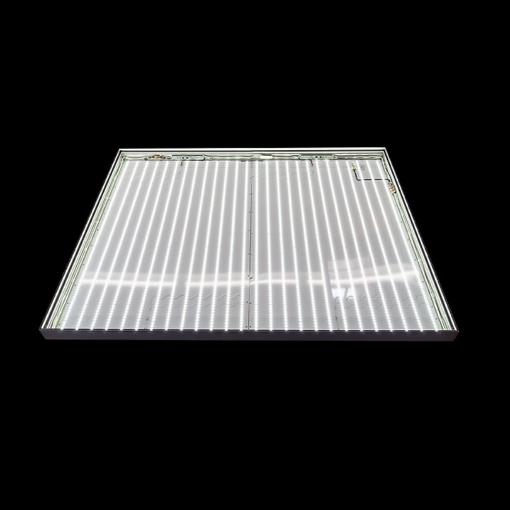 01_Kasten bestehend aus 2 Modulen, leuchtend