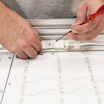 Steckerverbindung zwischen den Modulen lösen