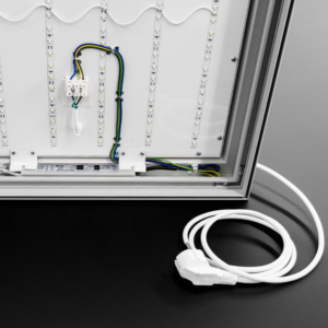 Smart 75 mit Kabel stehend
